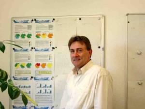 """Dr. Jurik Müller arbeitet beim Deutschen Wetterdienst und veröffentlichte 2011 das Buch """"100 Bauernregeln, die wirklich stimmen"""". Foto: Müller"""
