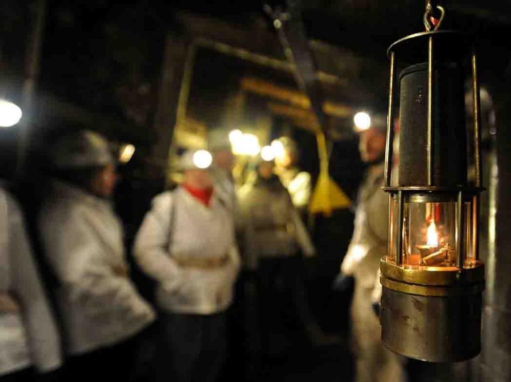 Lampenführung im Besucherbergwerk der Zeche Nachtigall. Foto: LWL/Appelhans