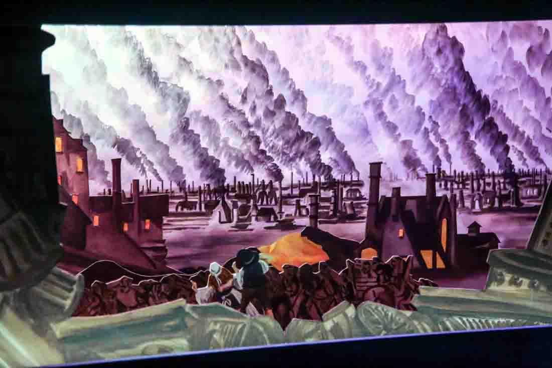 """Schaurige Kulisse: Im Unterwelten-Theater """"Eidophusikon"""" öffnet sich Ostersonntag gleich dreimal der Vorhang für das Stück """"Als die Hölle auf die Erde kam"""". Foto: LWL"""