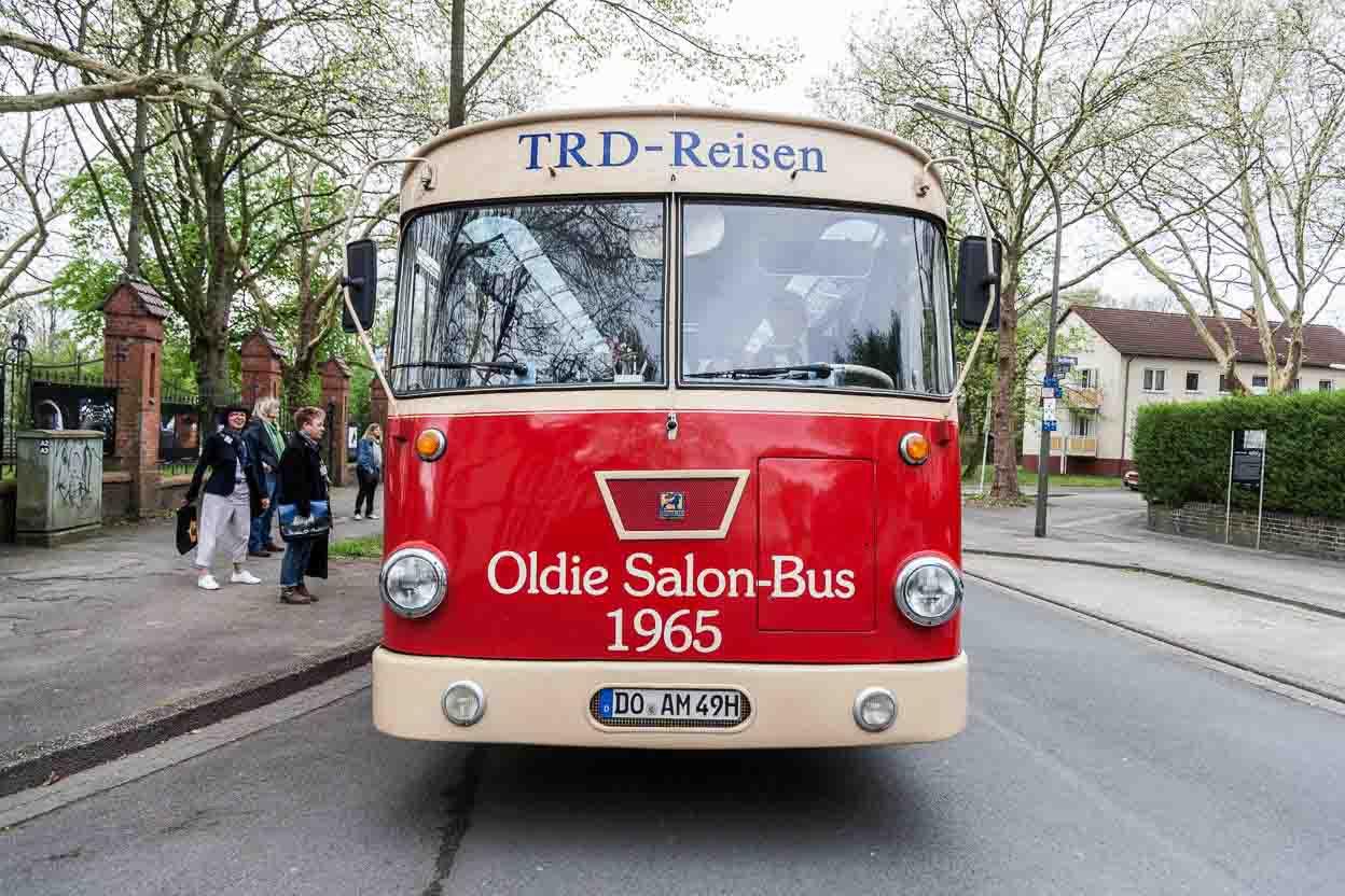 Mit dem Nostalgie-Bus geht es auf Nordstadt-Exkursion. Foto: Barz