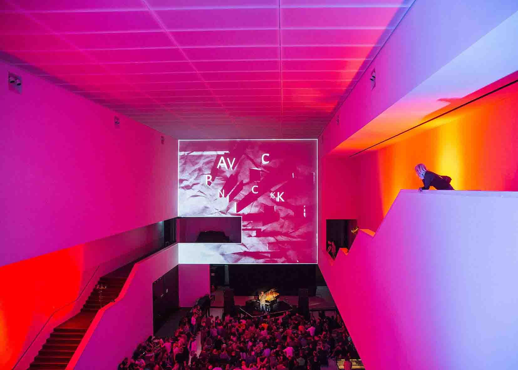AV Picknick im Mai 2014 im Foyer des Museums. Foto: LWL/Neander